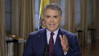 Photo of Duque pide sanciones por seguimientos militares a periodistas en Colombia