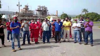 Photo of Trabajadores de Refinería de Puerto La Cruz exigen bono de 150 dólares pagado en PDV Marina