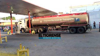 Photo of Luego de casi una semana llegó combustible a una E/S en El Tigre