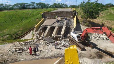Photo of Así avanza el despeje de la vía nacional Troncal 16