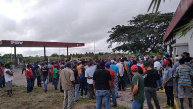 Photo of Despacho de gasolina inició con protestas en El Tigre
